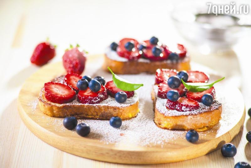 Гренки с ягодами: рецепт вкусного и полезного завтрака