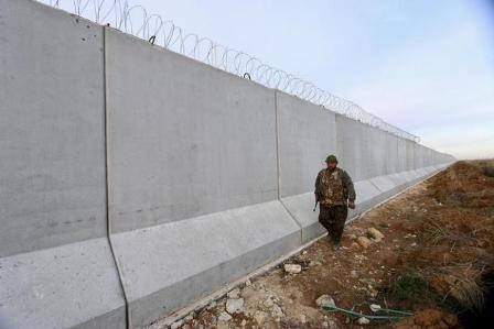 Турция построила две трети всей стены награнице сСирией