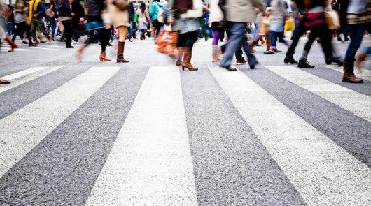 Штраф за непропуск пешеходов увеличен до 1500-2500 рублей