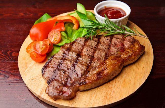 Вегетарианцам на заметку: искусственное мясо со вкусом настоящего