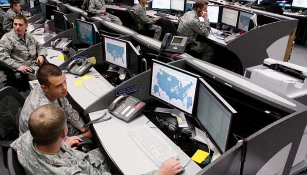 США в понедельник начнут масштабные военные учения