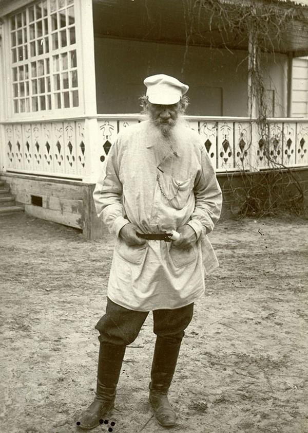 Повседневная жизнь писателя Льва Толстого