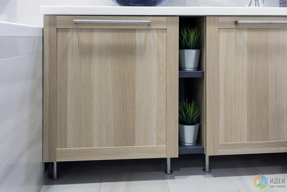 Шкафы обычные Бэсто, между ними остатки столешни с кухни. Подсмотрела эту идею у одних моих клиентов.