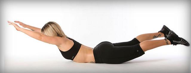 Четыре упражнения для укрепления мышц спины без использования отягощения