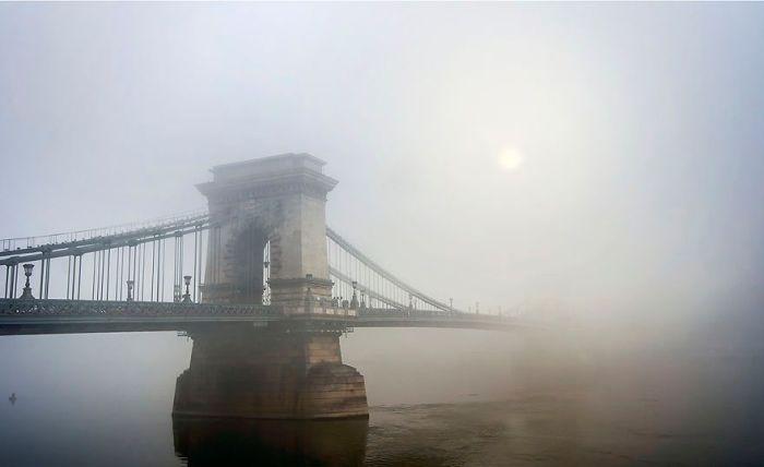 Призрачный мост. Автор: Tamas Rizsavi.