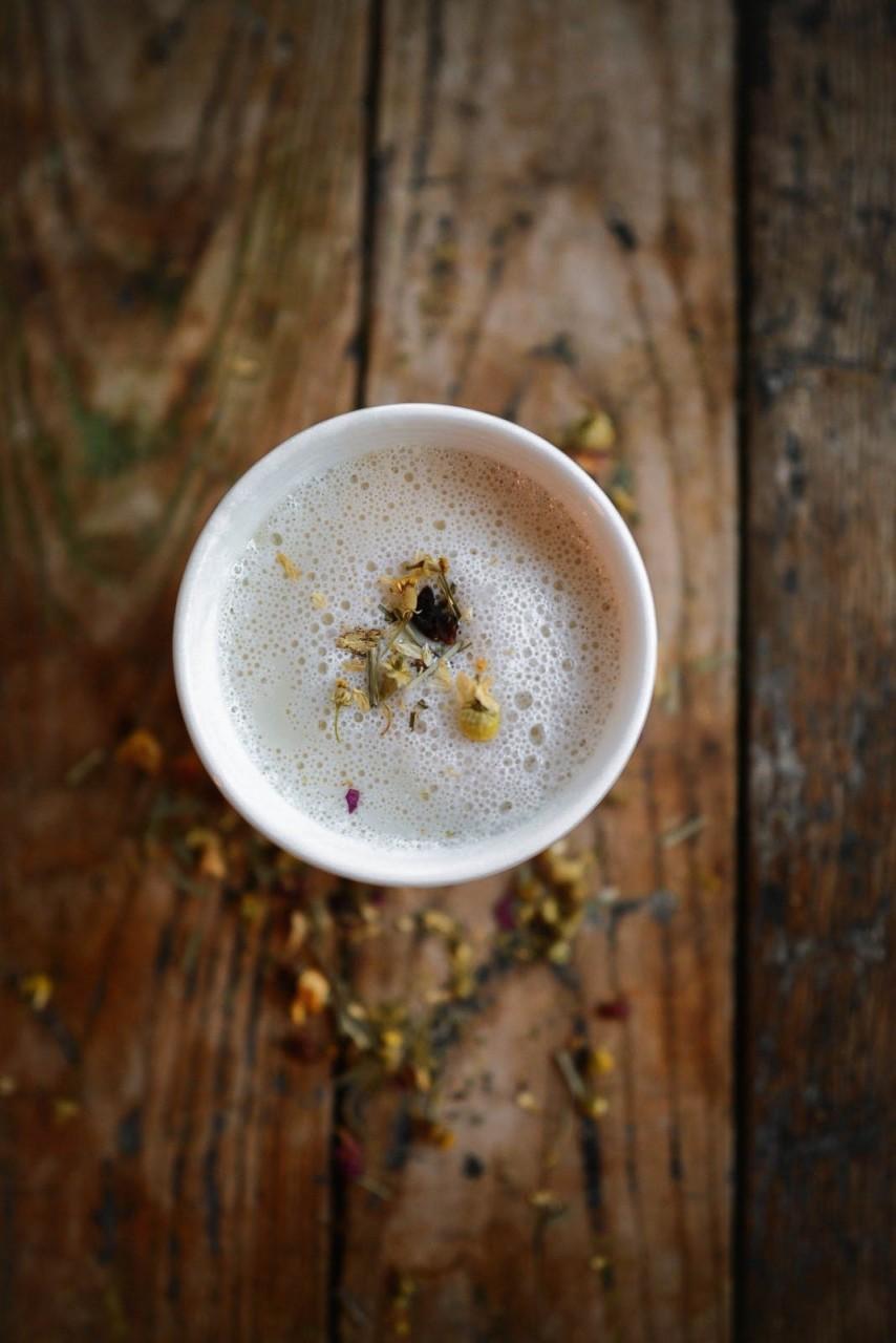 Ромашковый чай-латте