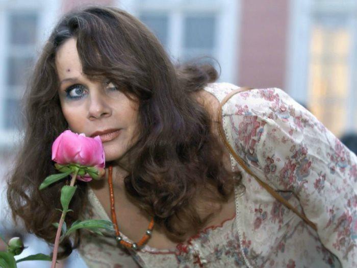Сыграть Булгаковскую Маргариту - заветная мечта актрисы, которая так и не осуществилась.  Фото: oneoflady.com.