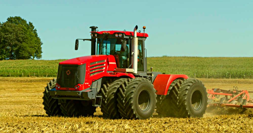 Французские СМИ: «до санкций, Россия покупала тракторы и комбайны у нас, а теперь продает свои в США