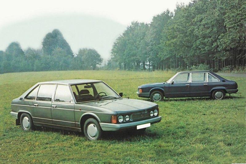 Любовь компании к заднемоторным фастбэкам породила такие модели, как 77а, 87, 97, 600 и 603. А в 1974 миру, пускай и коммунистическому, явили пятиметровый седан 613, двигатель у которого также был в багажнике. заднемоторная компоновка, седан