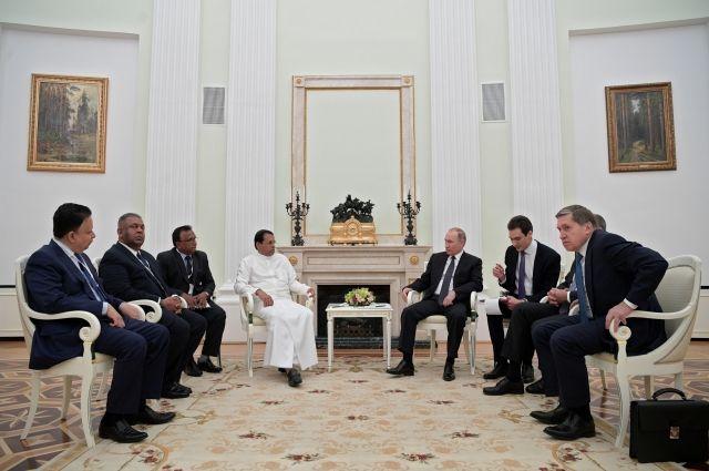 Президент Шри-Ланки назвал Путина великим лидером