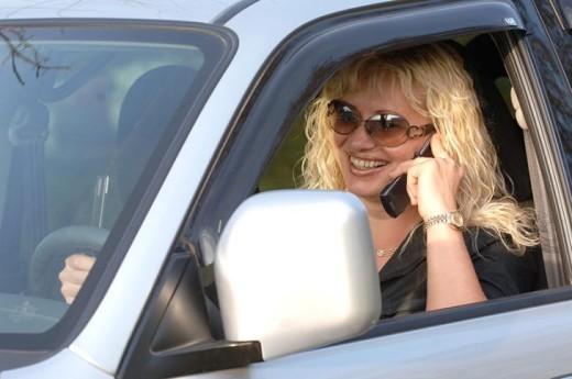 Водила прямо обалдел, случайно подслушав телефонный разговор блондинки...