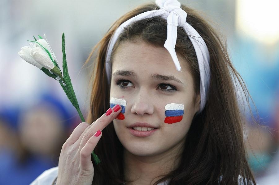 Это Путин научил народ Родину любить? Или мы сами?