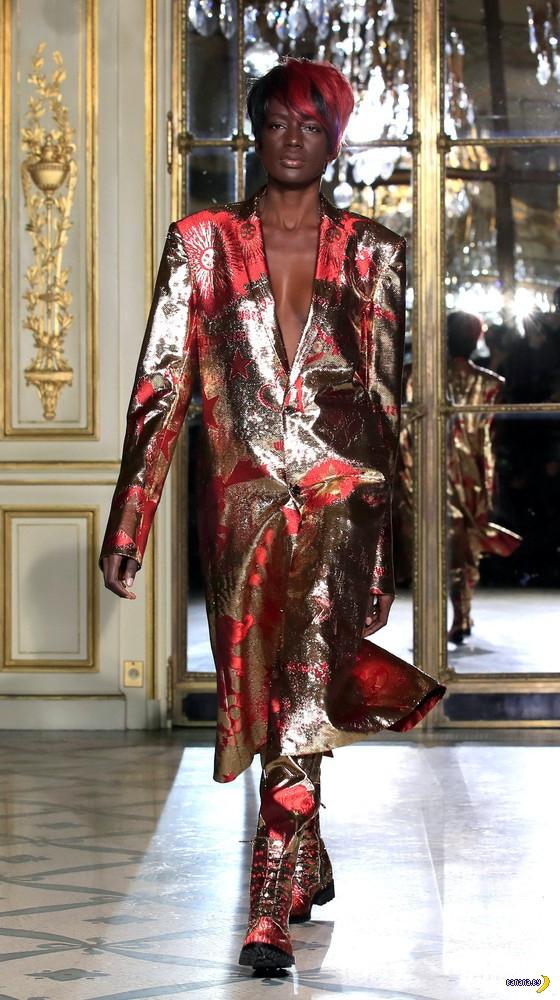 В Париже прошли показы высокой моды