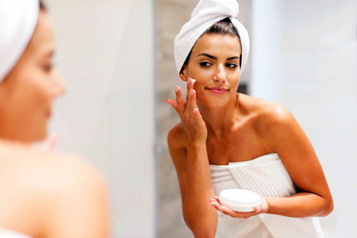 ТОП-10 ошибок в уходе за кожей лица и волосами, которые допускает большинство женщин