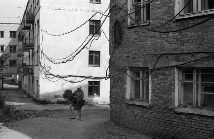 Фотография, которая лишний раз доказывает, что в СССР было не всё так легко. СССР, Новокузнецк, 1980-е годы.