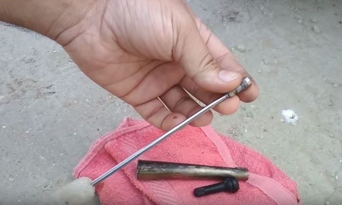 Как поменять вентиль без снятия колеса в два счета и за несколько секунд советы