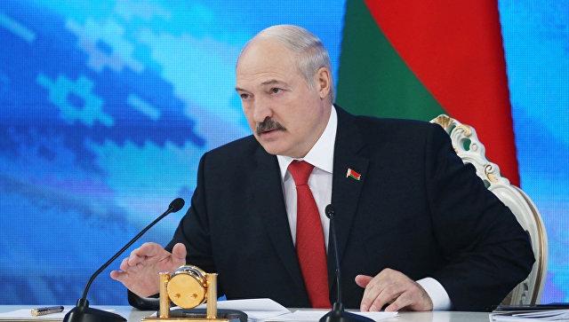 Лукашенко угрожает тунеядцам и оппозиционерам украинскими боевиками