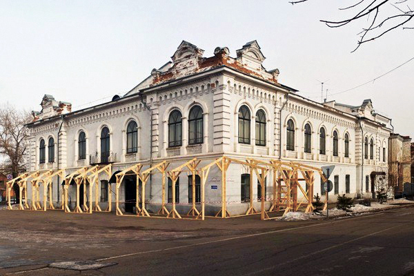 Медведев взялся за театр. Цирк - в уме