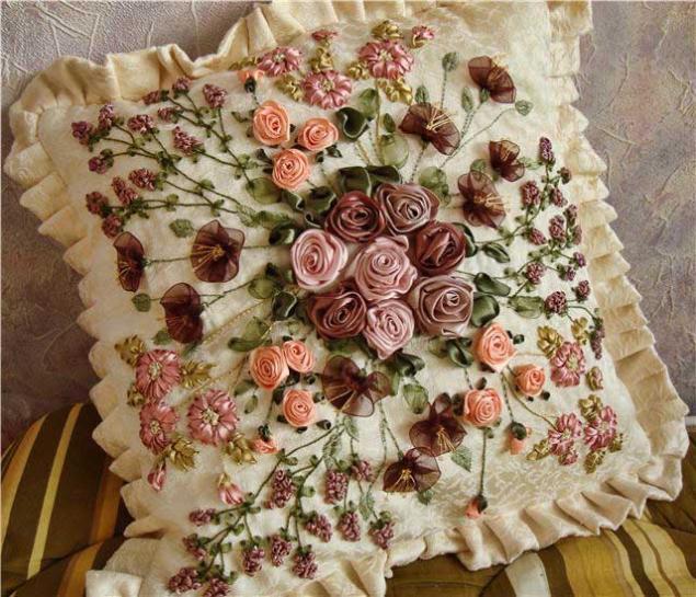Все великолепие вышивки лентами — подборка вышивок австралийской рукодельницы Хэлен Эриксон