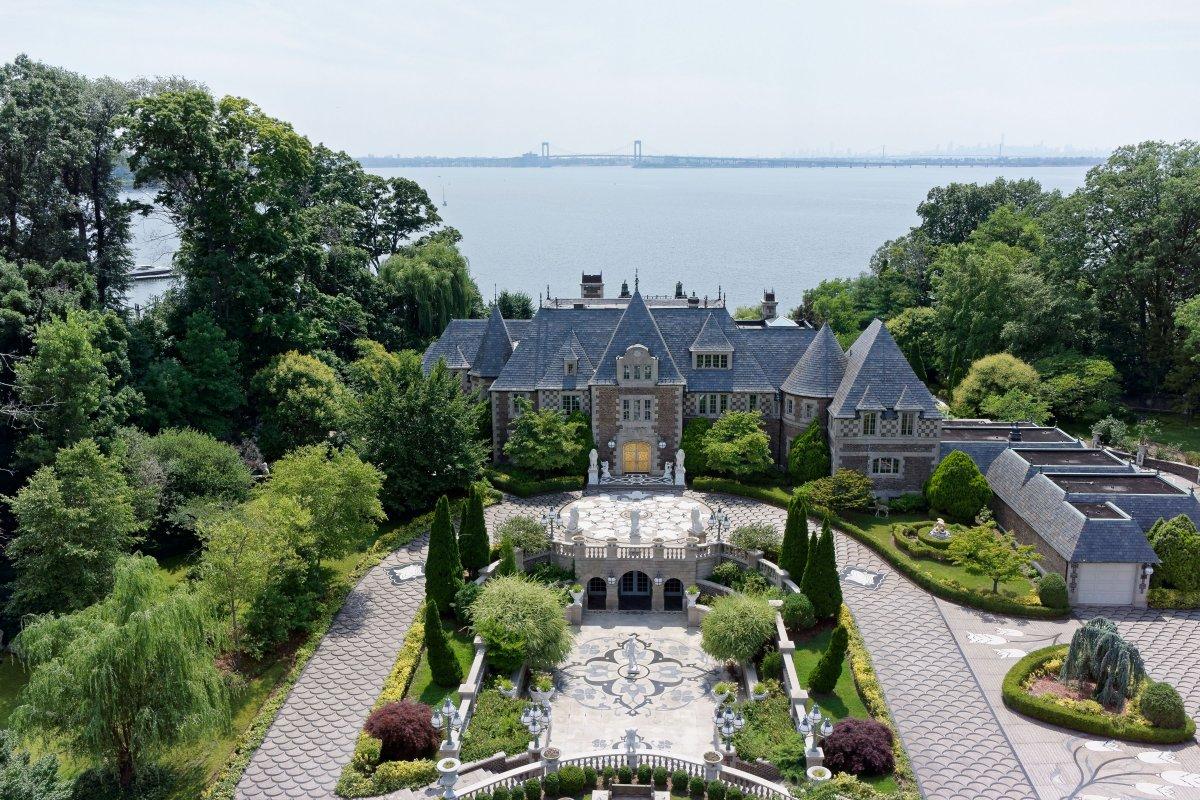 Как выглядит дом миллиардера, эмигрировавшего из СССР, стоимостью 85 миллионов долларов