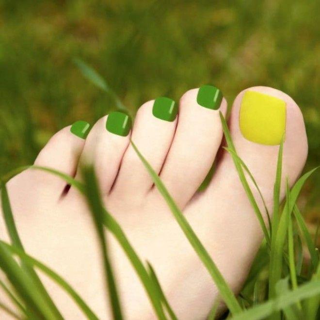 Красивые идеи педикюра для открытой обуви