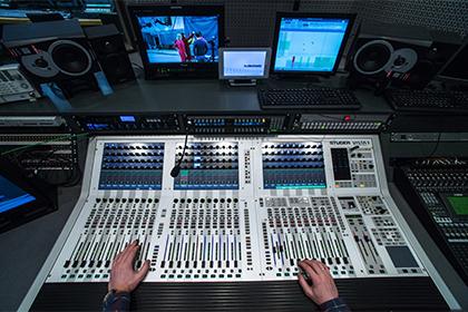 Телеканалы изменят сетку вещания в связи с авиакатастрофой