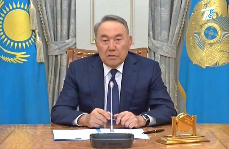 Назарбаев объявил об уходе в…