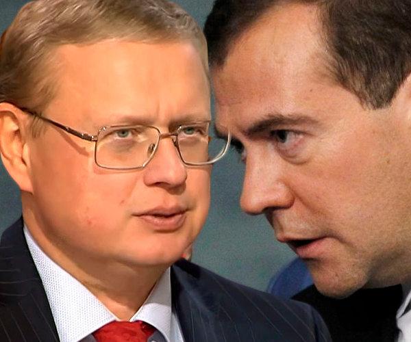 Михаил Делягин: правительство Медведева не понимает, что настраивает против себя народ?