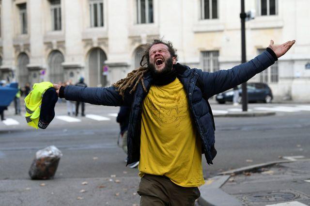 «Попробуйте прожить на 2000 евро». Так ли плохо живут французы?