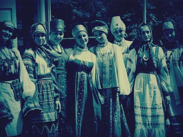 starie-devi-razvlekayutsya-foto