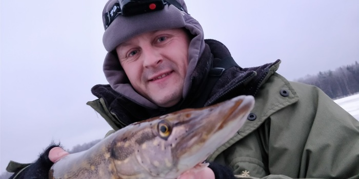 ловля на озере апрельской плотвы