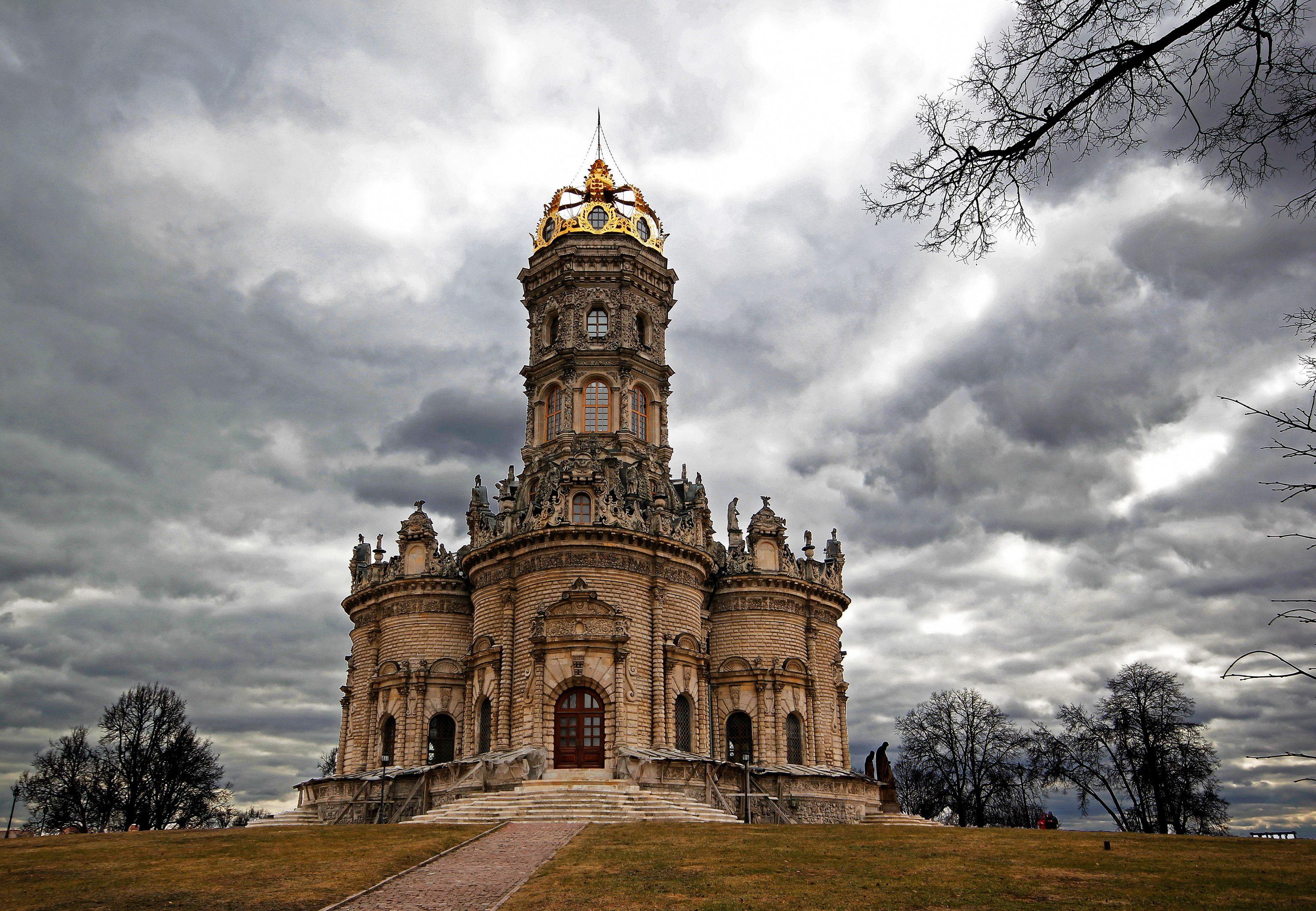 http://zarplatyinfo.ru/wp-content/uploads/2015/12/skolko-poluchayut-svyashhenniki-v-rossii-v-2016-godu.jpg