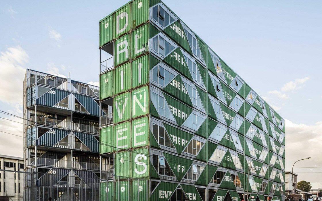 Многоквартирный дом из контейнеров в Йоханнесбурге