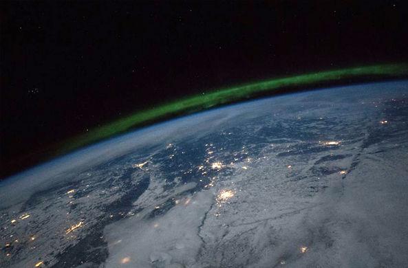 С борта МКС засняли полярное сияние над Россией