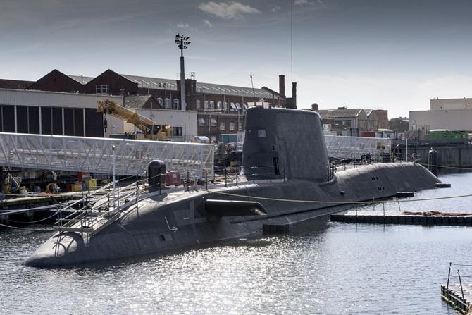 Корабли ВМС Великобритании «растаскивают» по частям