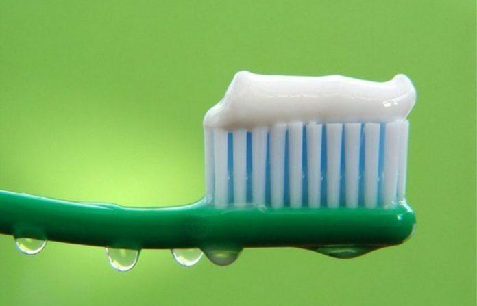 Оказывается, зубная паста способна на многое