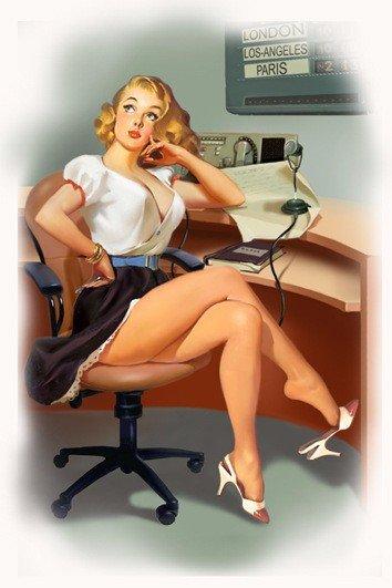 Директор пристально разглядывает новую секретаршу... Улыбнемся)))
