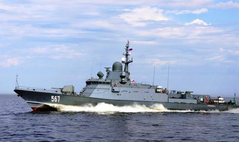 Российские МРК поддержат десантников артиллерийским огнём