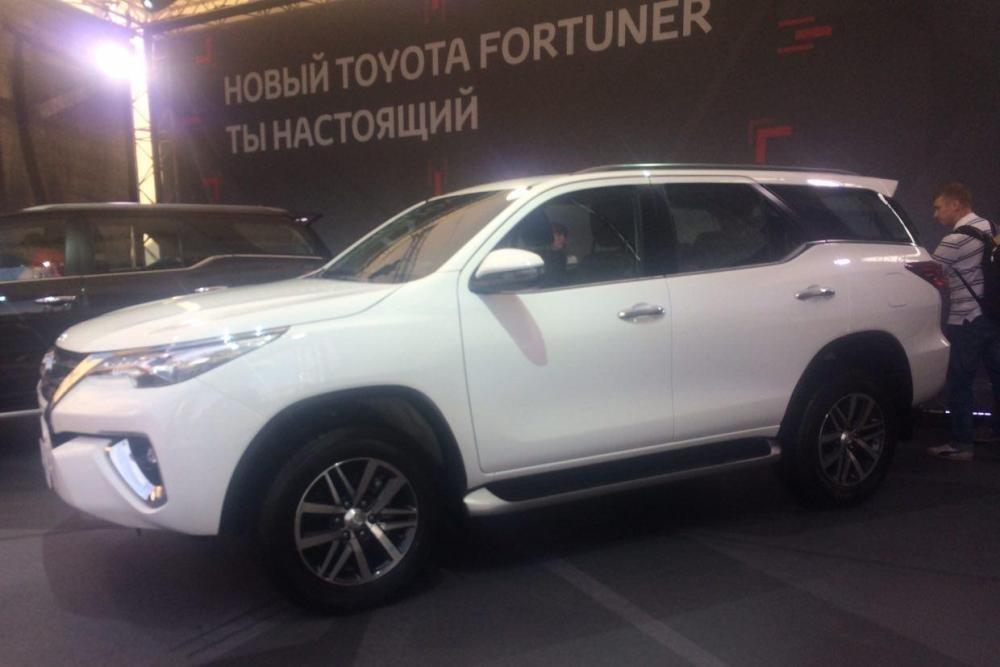 Toyota рассекретила новый рамный внедорожник для России