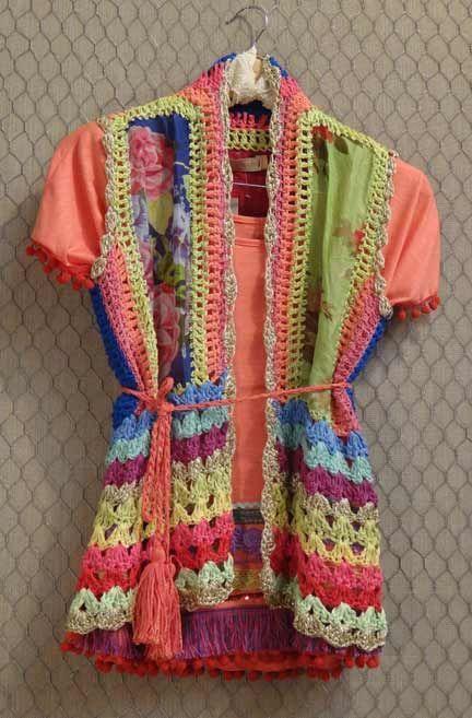 Algunas ideas para combinar tela con crochet o realizar apliques a remeras y reciclarlas dándole un toque de estilo....: