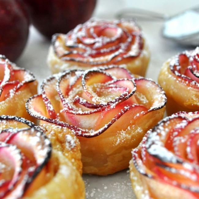 Готовим яблочные розочки  для украшения пирогов и пирожных