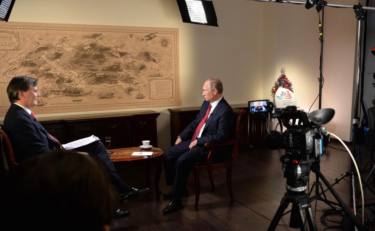 Путин в интервью Bloomberg: Хотите пересмотреть итоги второй мировой? Давайте дискутировать по Львову, Венгрии и Польше!