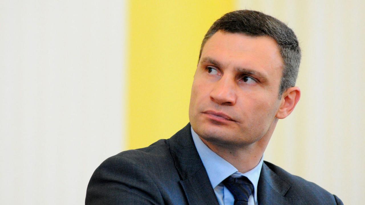 """Кличко заявил, что обрушившийся в центре Киева мост """"устал от времени"""""""