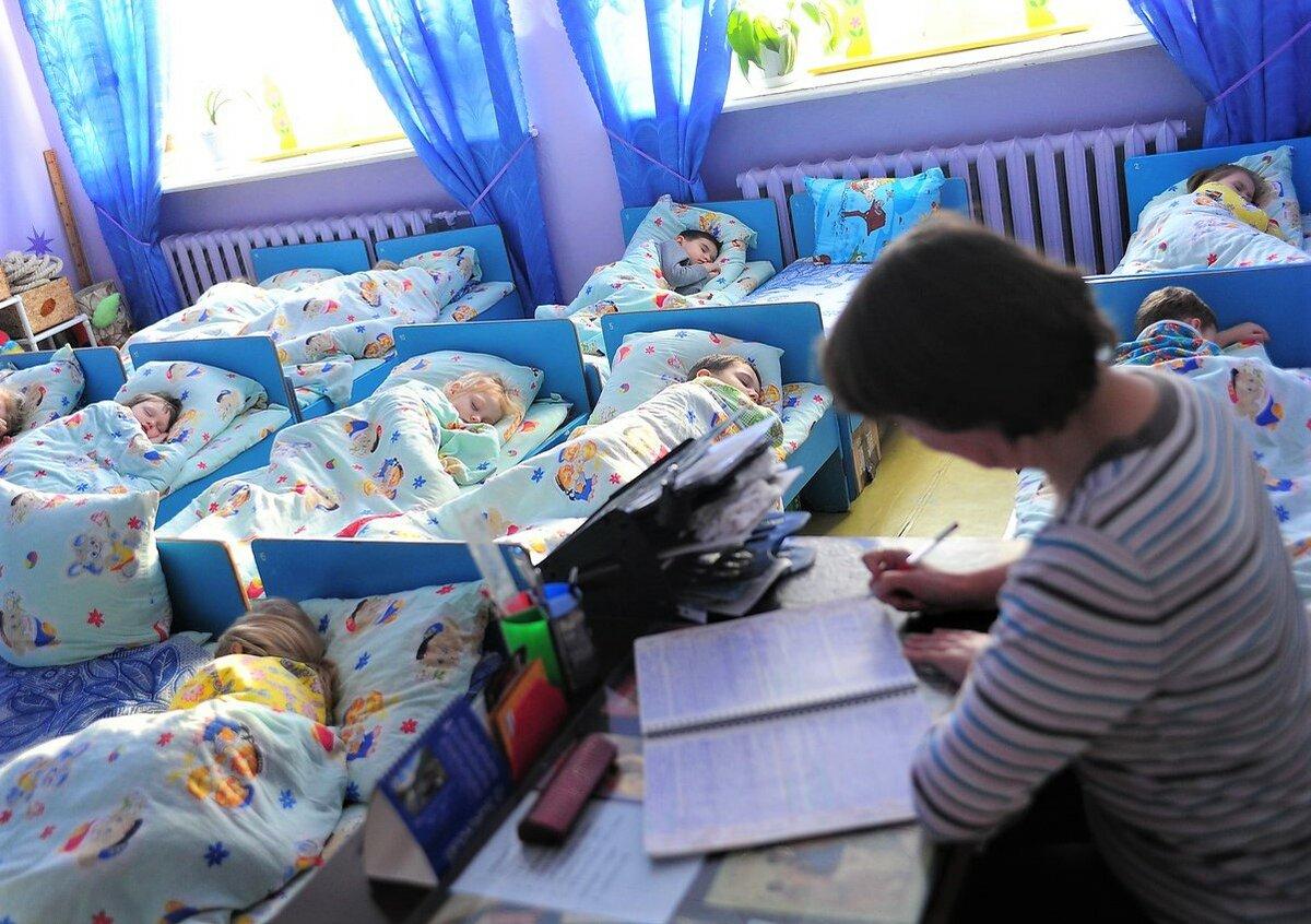 В родительском чате началась паника: дети заболели из-за открытого окна в группе