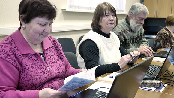 Терпите до 2025 года: Пенсионеры хотят работать