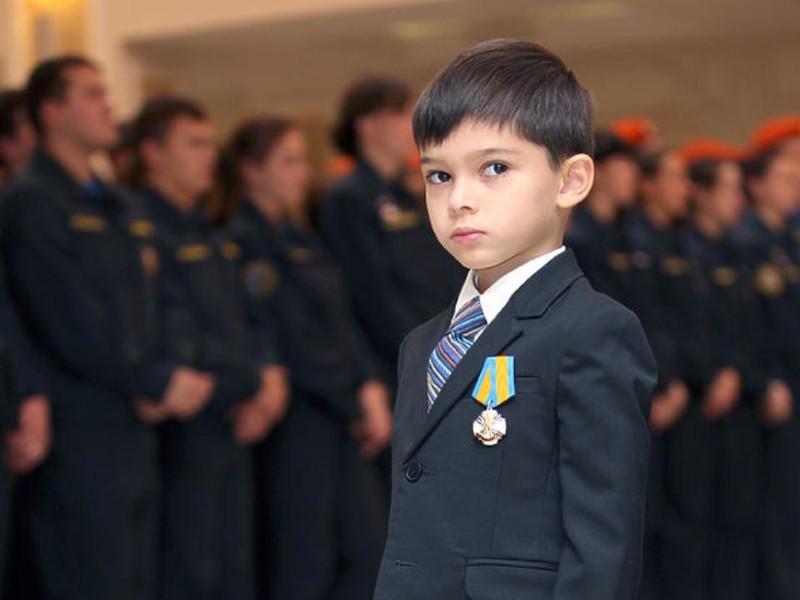 Молодые и оважные: Дети-герои нашего времени и их подвиги дети-герои, добро, награда, спасение людей, факты
