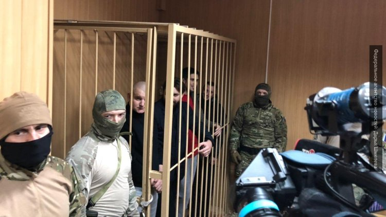 ФСБ попросила продлить арест украинским морякам