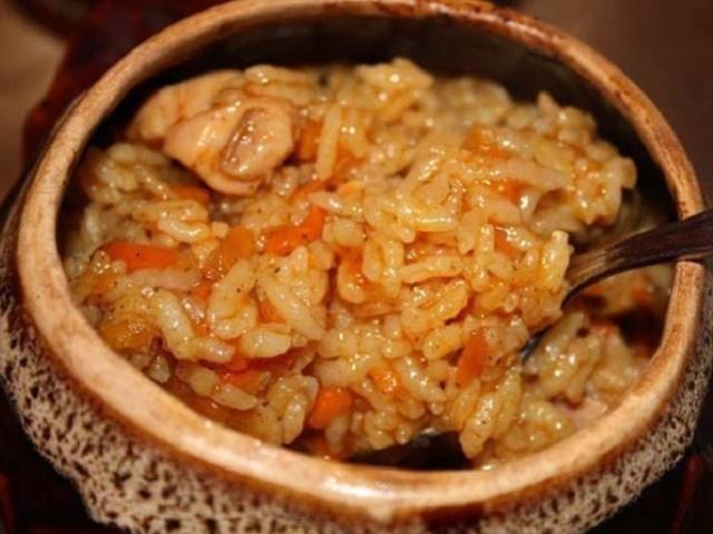 Горшочек с курицей и рисом. Порадуйте своих близких, этой вкусняшкой