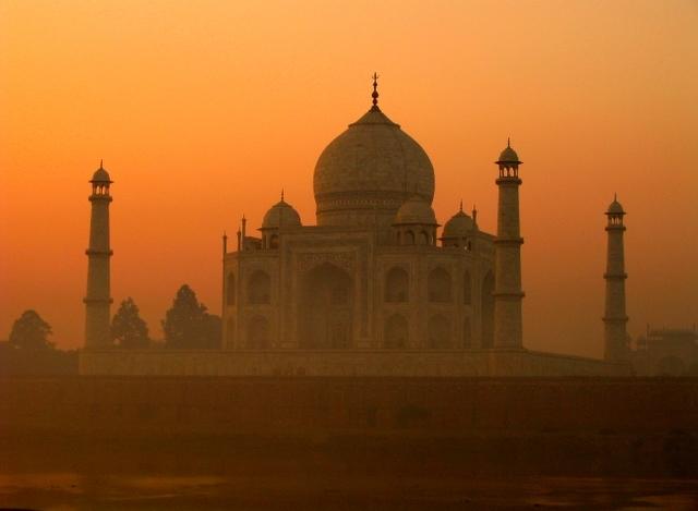 Taj_Mahal_India (640x469, 190Kb)