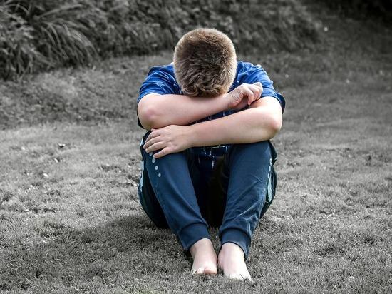 Детдомовец, сдавший педагогов-педофилов, лишился зрения и уехал из России